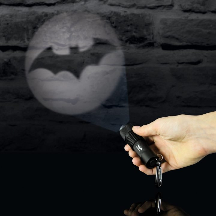 BATMAN HANDHELD PROJECTION TORCH (SPECIAL OFFER)