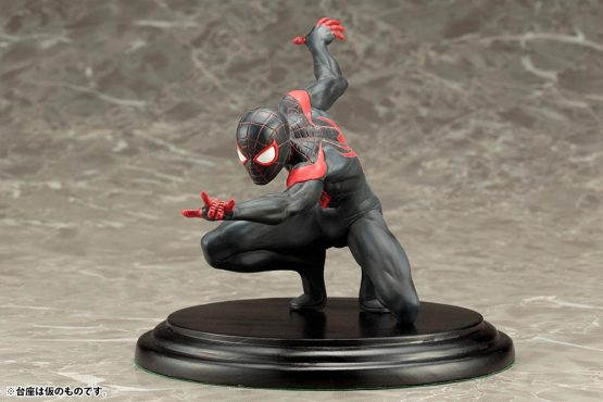 Spiderman statue