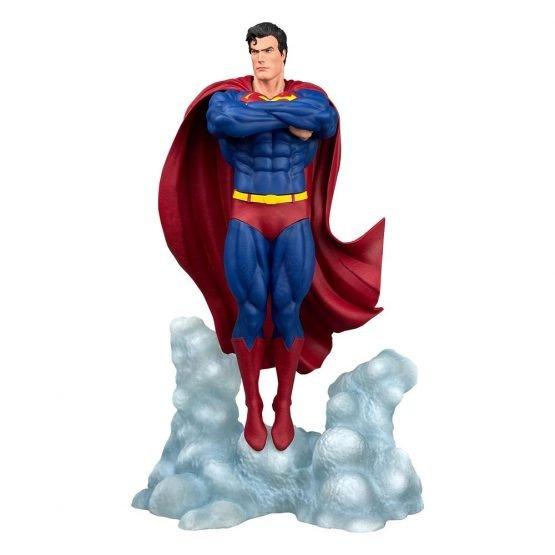 DC Comics Superman Ascendant Szobor